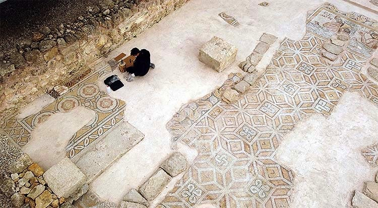 Hadrianaupolis Ancient City tesserae will be renewed one by one