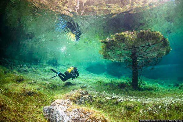 Underwater Park Green Lake İn Tragoess Austria