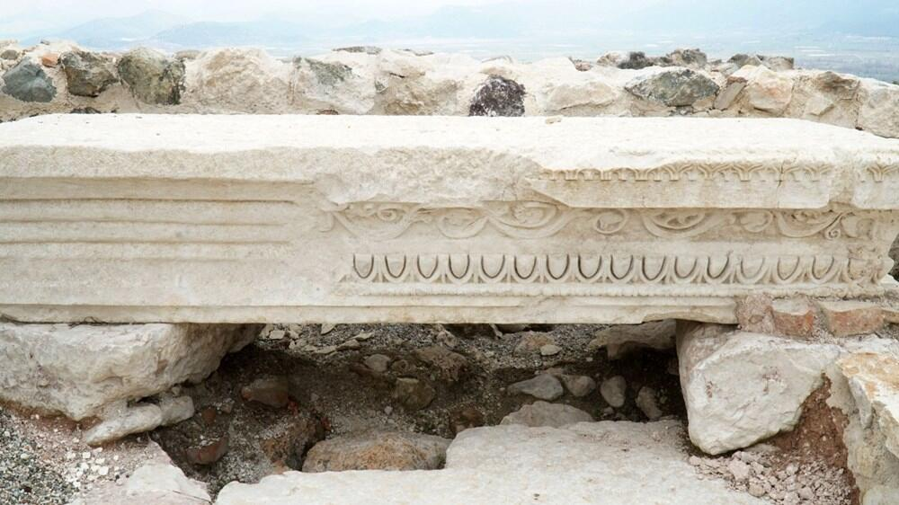 Kibyra, Thirty graves
