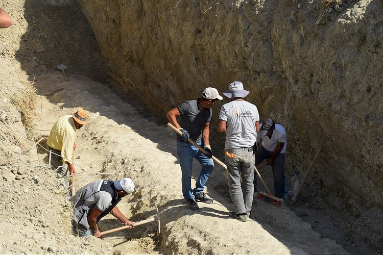 Researchers from the Aydın archeology museum continue field research to identify a newly discovered aqueduct in Aydın's Kuşadası district.