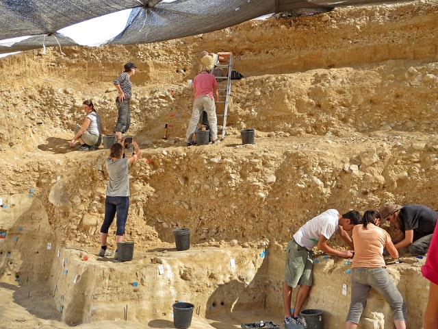The excavations at the 50,000-year-old Boker Tachtit site in the Negev Desert Photo: Prof. Elisabetta Boaretto, Weizmann Institute of Science]