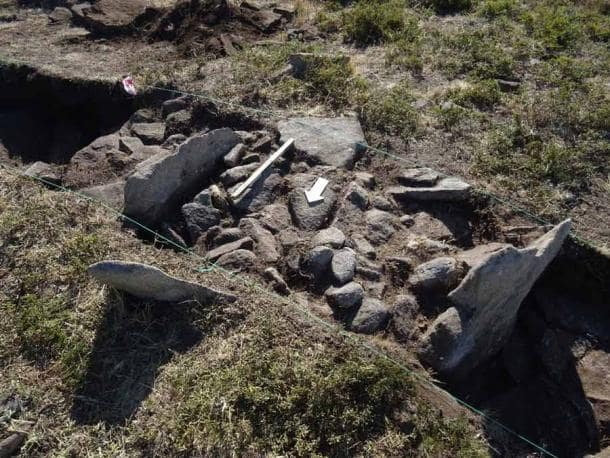 A closeup of the evidence found at what is now the oldest Roman camp ever found in northern Portugal. ( ERA Arqueologia )