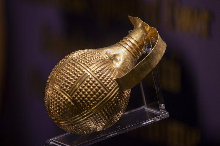 4,250-year-old Hattian golden beak-spouted