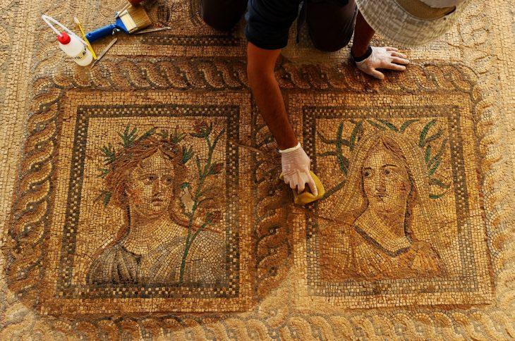 Mosaics of Dionysus, Ariadne